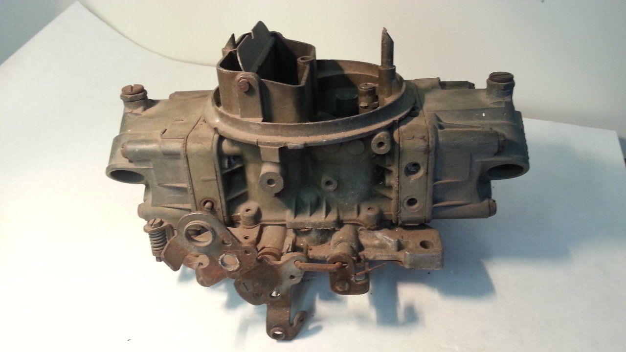 Holley 600 CFM Carburetor  4776-2 — USED