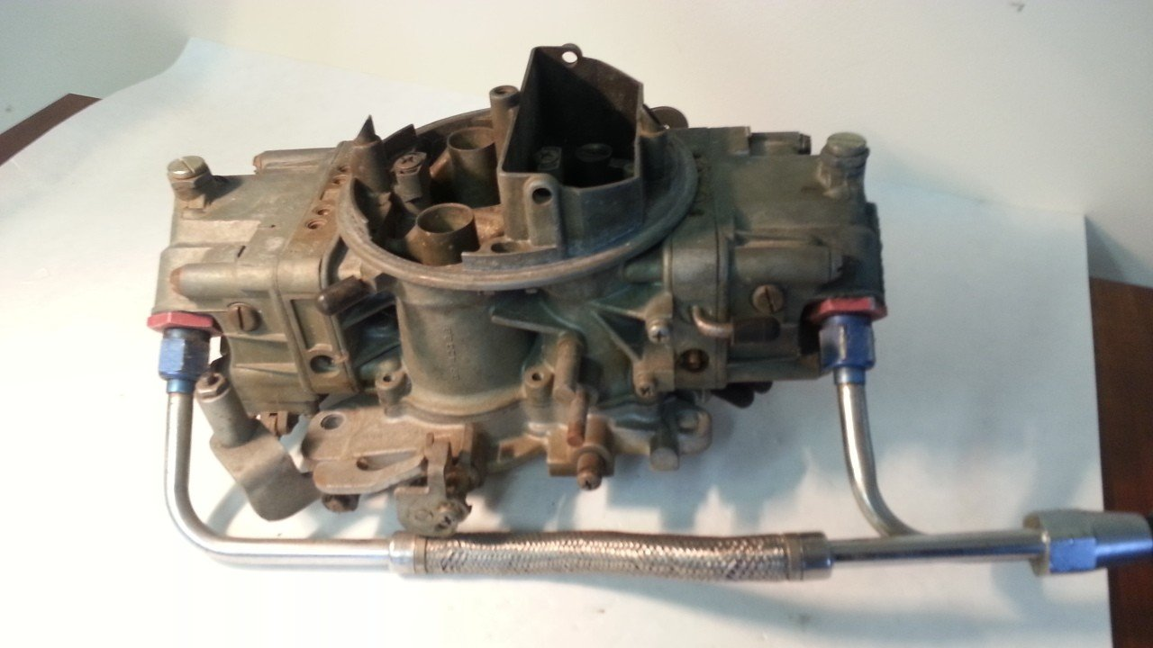 Holley 800 CFM Carburetor  6213 — USED