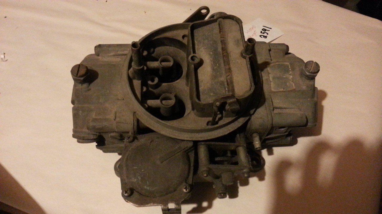 Holley 750 CFM Carburetor  3310-2 — USED
